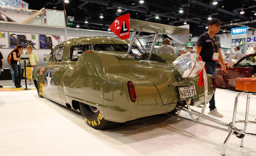 The Best of SEMA 2016, Day One: A Batmobile, Insane Customs, and (of Course) a Tank - Slide 21