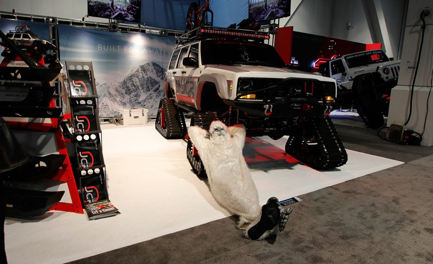 The Best of SEMA 2016, Day Two: A Five-Wheeled Motorcycle, an Electric Datsun, and More - Slide 11