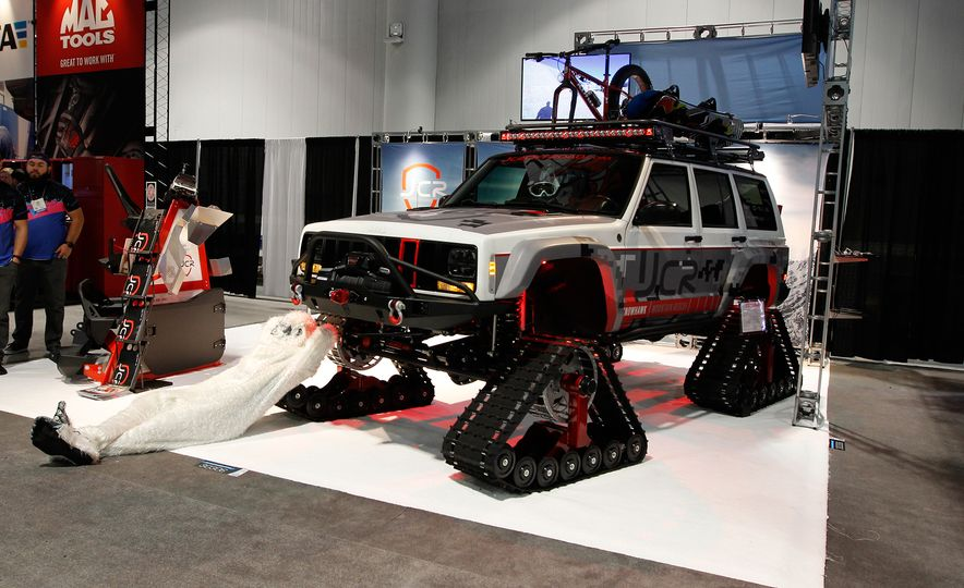 The Best of SEMA 2016, Day Two: A Five-Wheeled Motorcycle, an Electric Datsun, and More - Slide 10