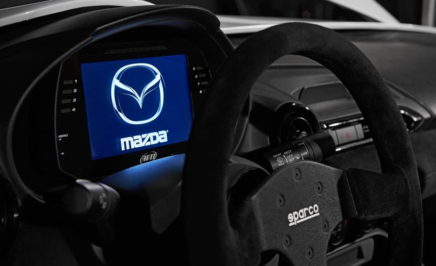 Mazda MX-5 Miata Speedster concept - Slide 14