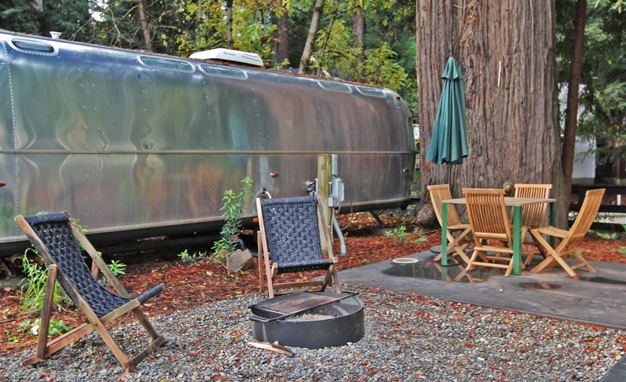 tent spent we try luxury camping in a 100 000 airstream. Black Bedroom Furniture Sets. Home Design Ideas