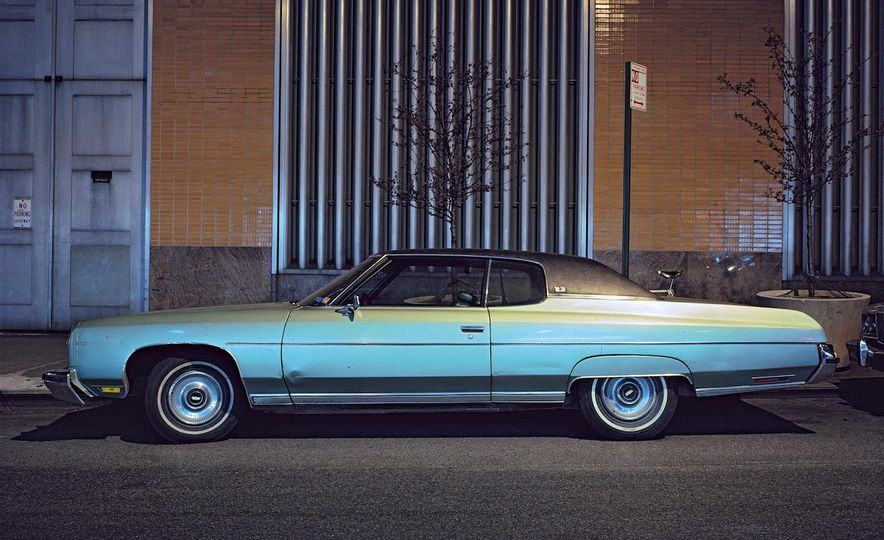 Iron and Grit: These Moody Images of the Cars of 1970s New York Are Incredible - Slide 9