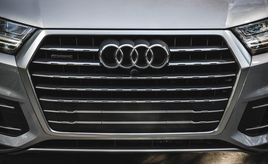 2017 Audi Q7 - Slide 3