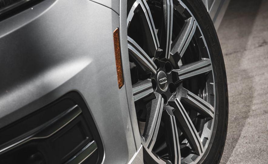 2017 Audi Q7 - Slide 8