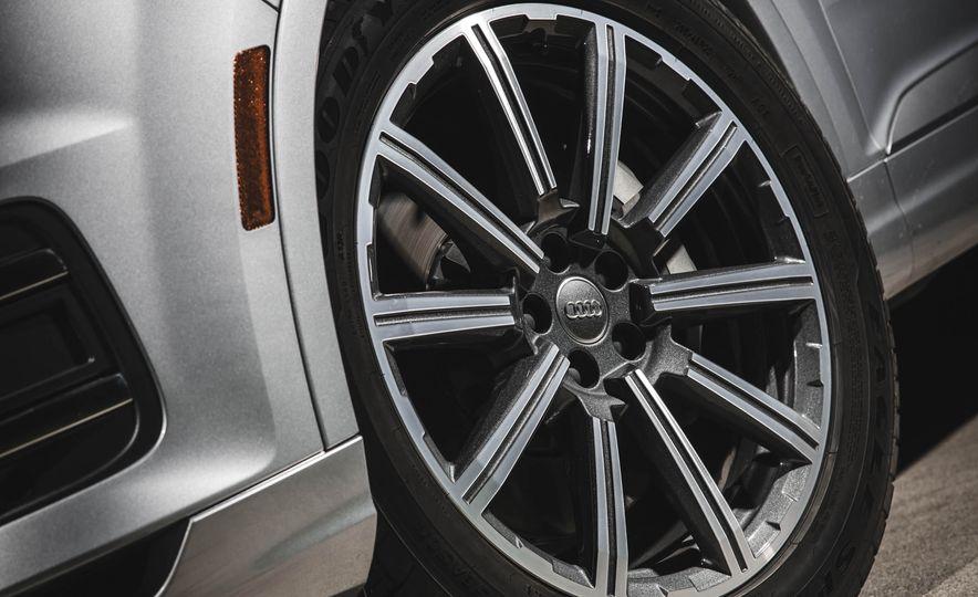 2017 Audi Q7 - Slide 9