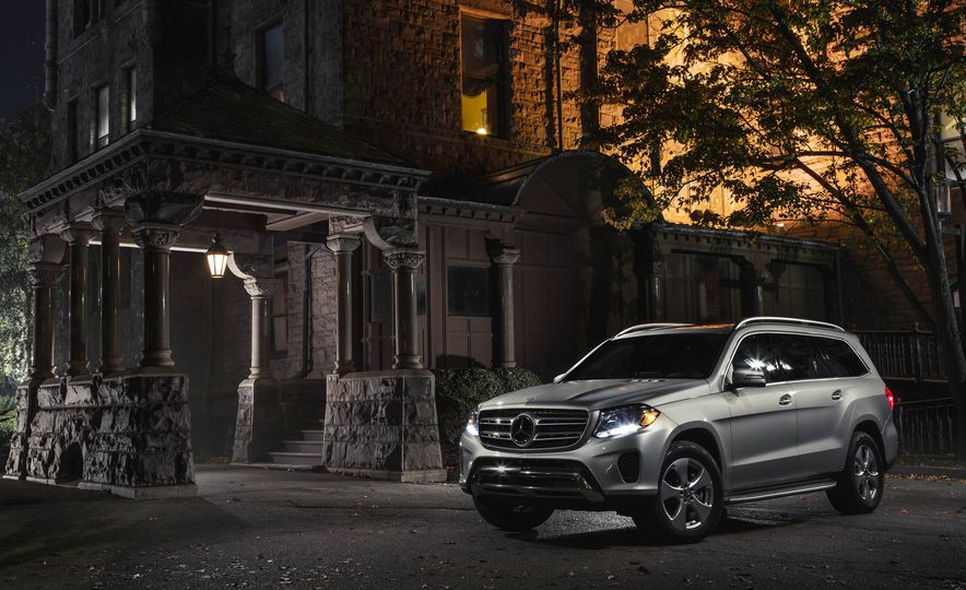 And the Winners Are: 2017 10Best Trucks and SUVs in Pictures - Slide 8