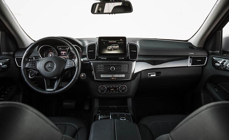 2017 Mercedes-Benz GLS450 4MATIC - Slide 13