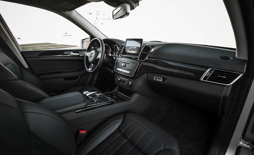 2017 Mercedes-Benz GLS450 4MATIC - Slide 14