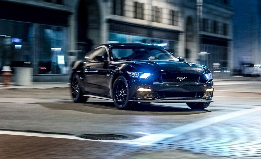 2016 Ford Mustang GT - Slide 1