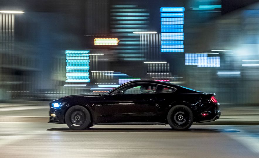 2016 Ford Mustang GT - Slide 3