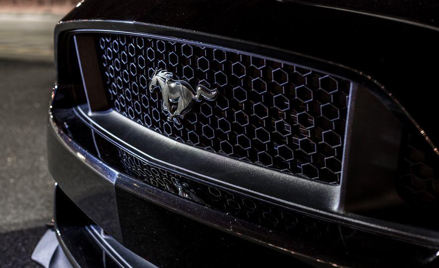 2016 Ford Mustang GT - Slide 8