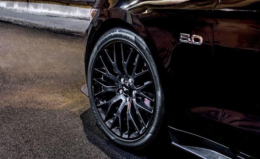 2016 Ford Mustang GT - Slide 10