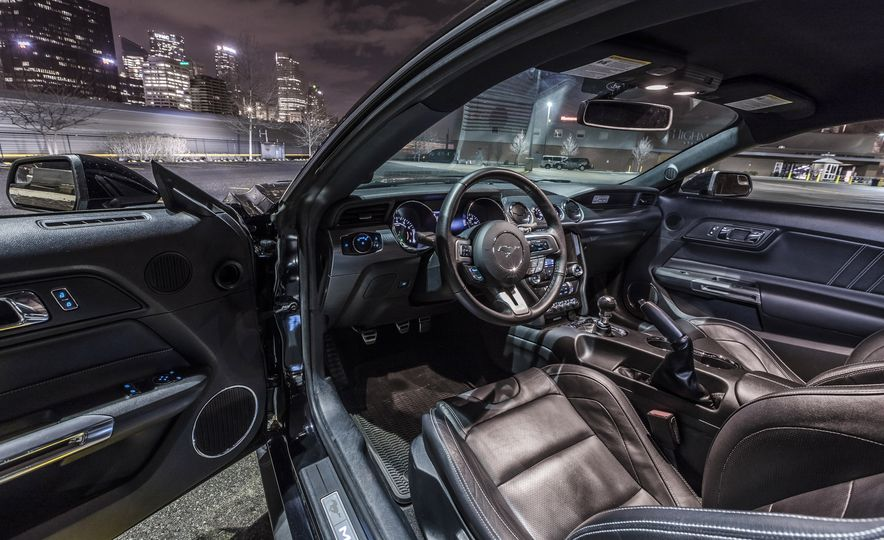 2016 Ford Mustang GT - Slide 13