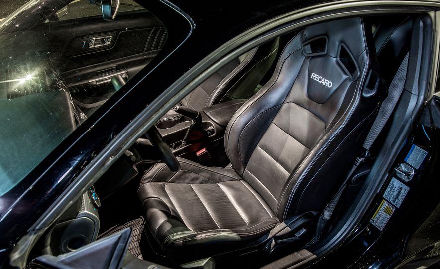 2016 Ford Mustang GT - Slide 12