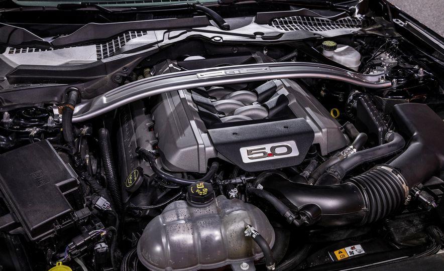 2016 Ford Mustang GT - Slide 16