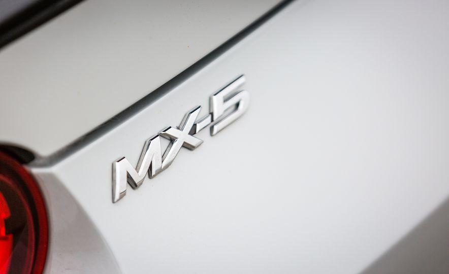 2016 Mazda MX-5 Miata - Slide 41