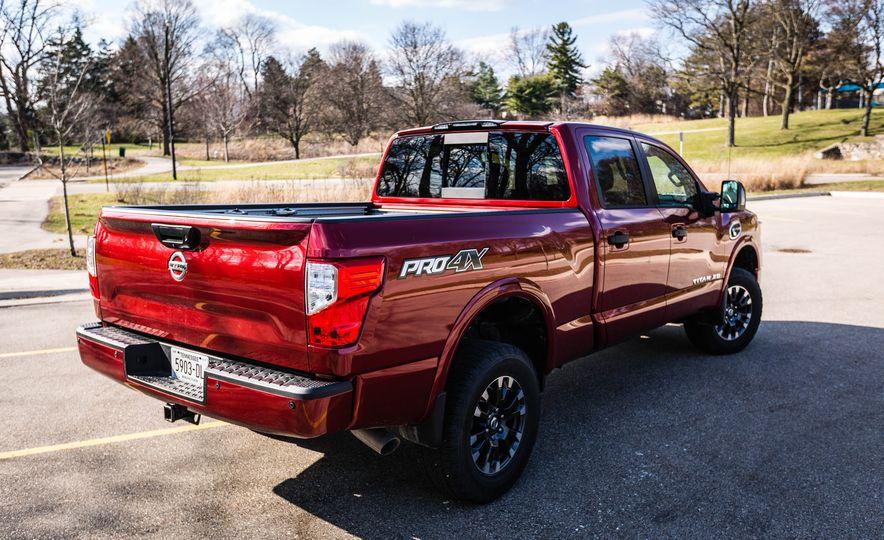 2016 Nissan Titan XD 4x4 diesel - Slide 34