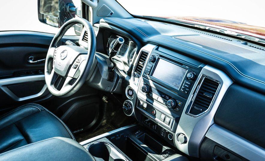 2016 Nissan Titan XD 4x4 diesel - Slide 47