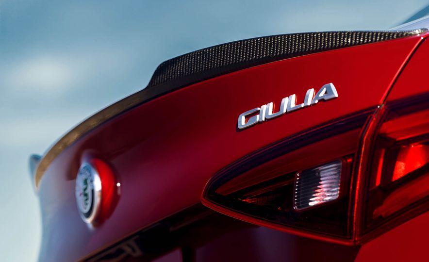 2017 Alfa Romeo Giulia Quadrifoglio - Slide 34