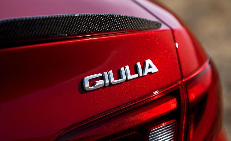 2017 Alfa Romeo Giulia Quadrifoglio - Slide 35