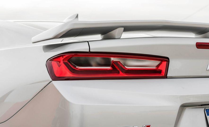 2017 Chevrolet Camaro ZL1 coupe - Slide 6