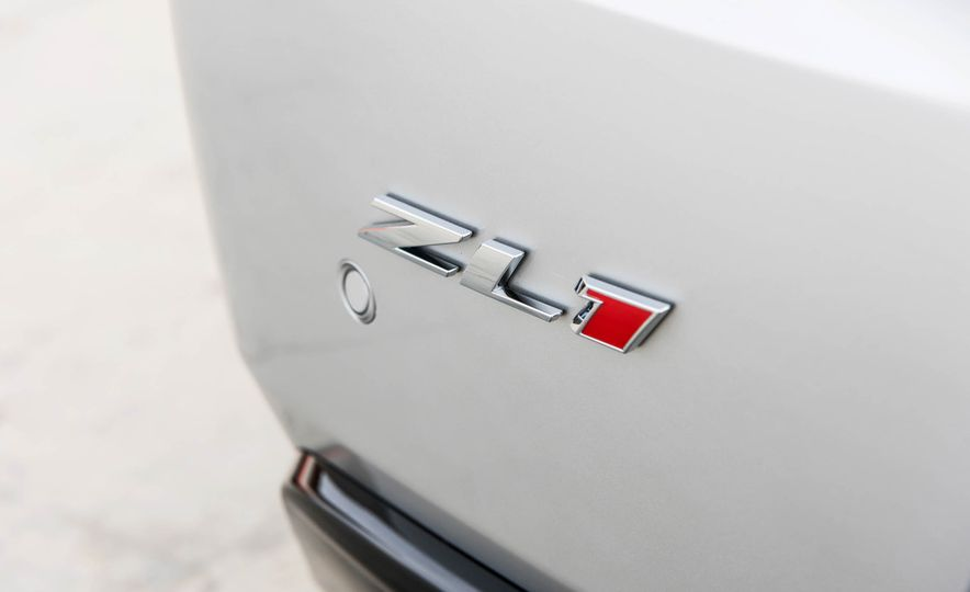 2017 Chevrolet Camaro ZL1 coupe - Slide 8