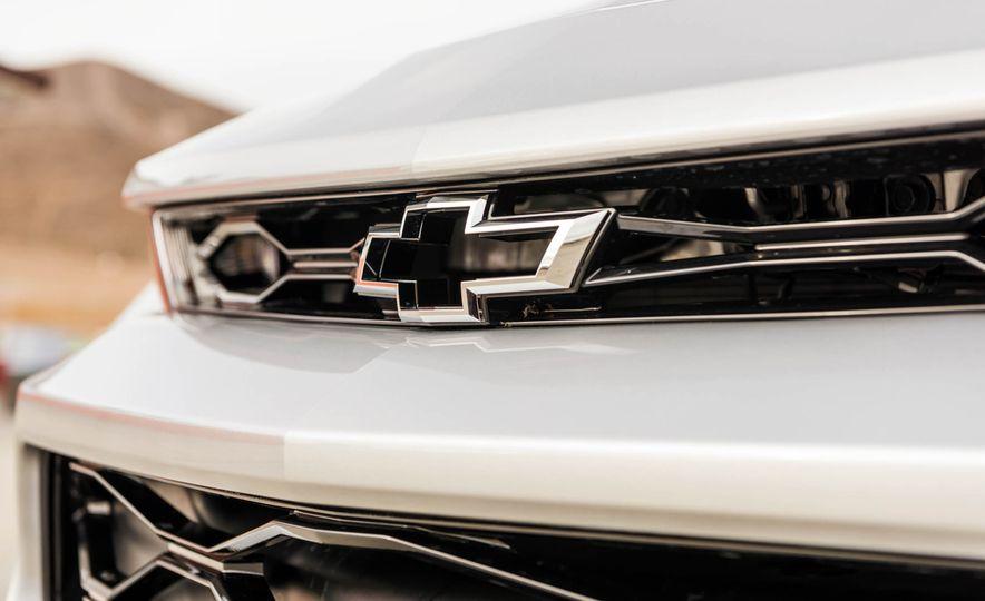 2017 Chevrolet Camaro ZL1 coupe - Slide 13