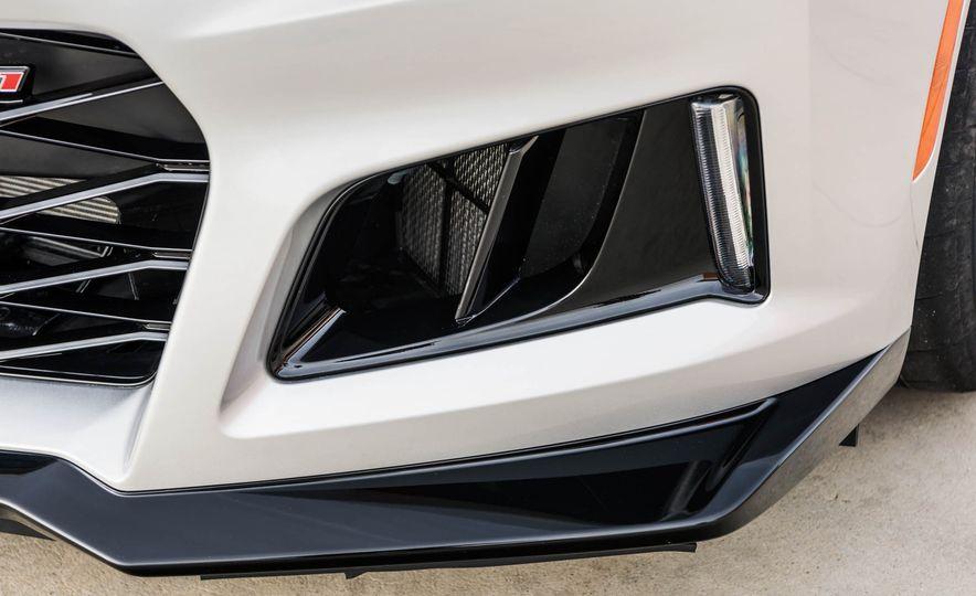 2017 Chevrolet Camaro ZL1 coupe - Slide 17