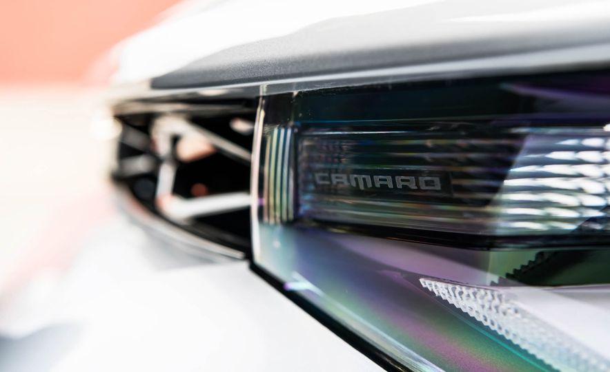 2017 Chevrolet Camaro ZL1 coupe - Slide 19