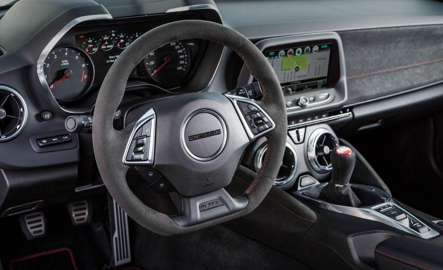2017 Chevrolet Camaro ZL1 coupe - Slide 33
