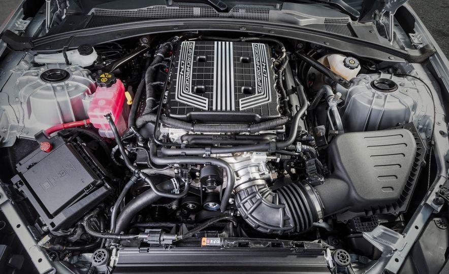 2017 Chevrolet Camaro ZL1 coupe - Slide 44