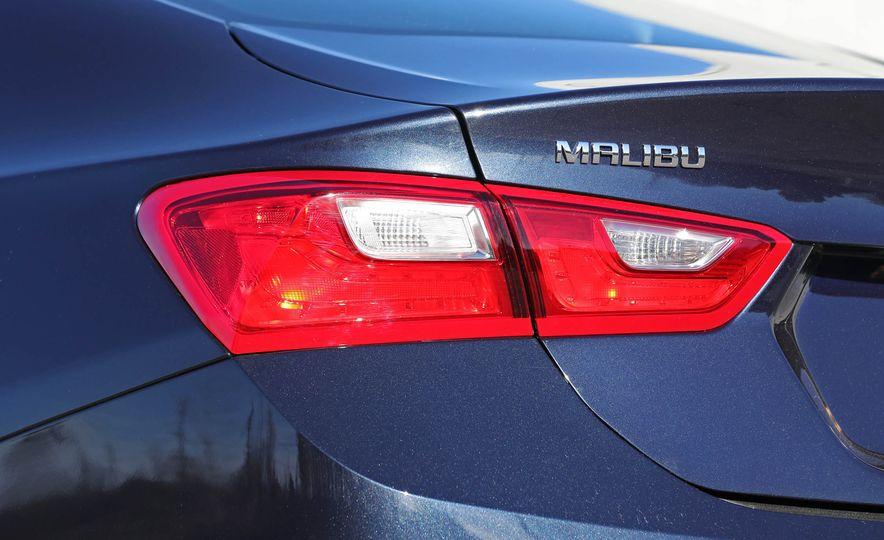 2017 Chevrolet Malibu LT - Slide 29