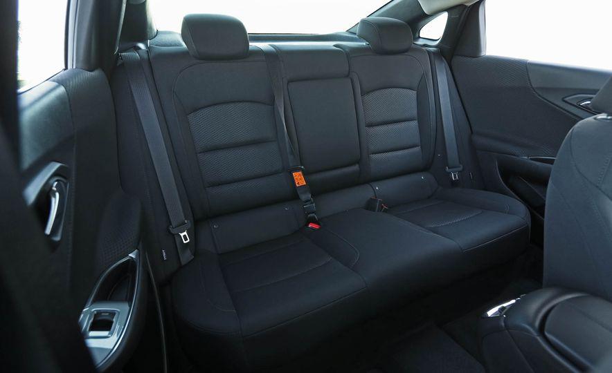 2017 Chevrolet Malibu LT - Slide 34