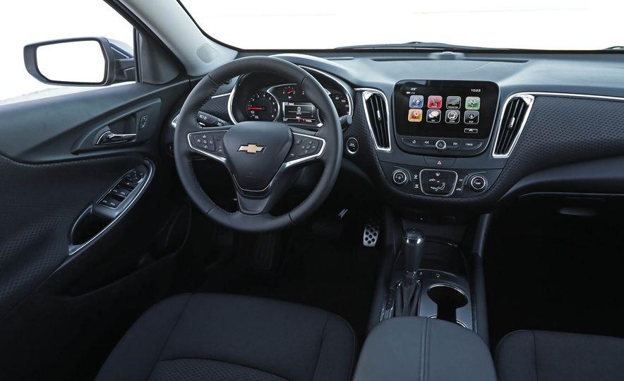 2017 Chevrolet Malibu LT - Slide 39