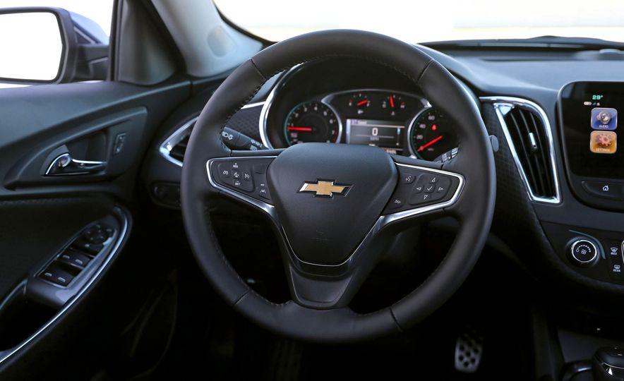 2017 Chevrolet Malibu LT - Slide 40
