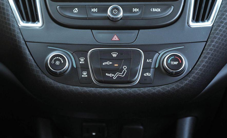 2017 Chevrolet Malibu LT - Slide 52