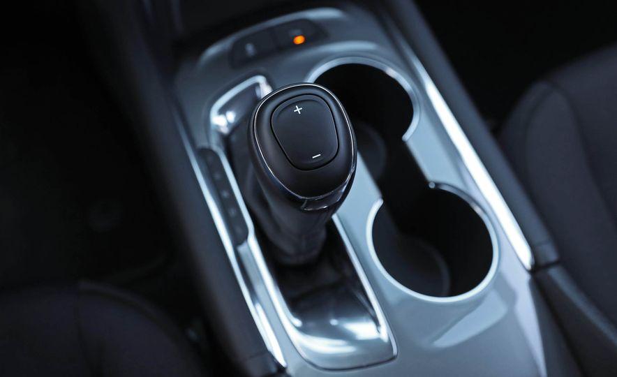 2017 Chevrolet Malibu LT - Slide 57