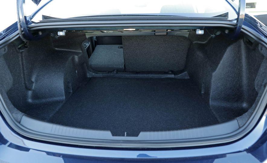 2017 Chevrolet Malibu LT - Slide 60