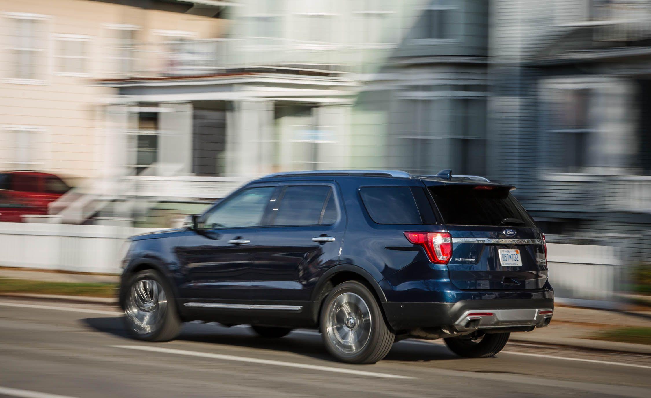 Ford explorer reviews ford explorer price photos and specs car and driver