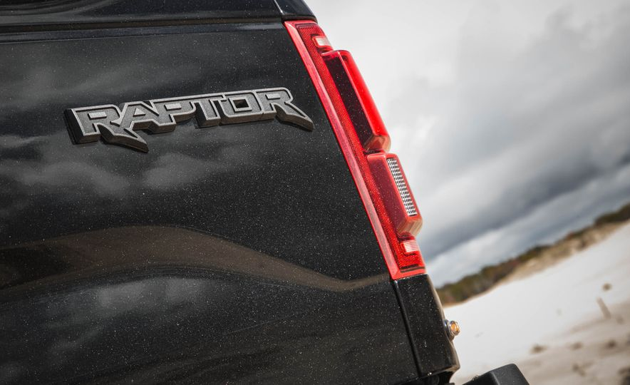 2017 Ford F-150 Raptor - Slide 36