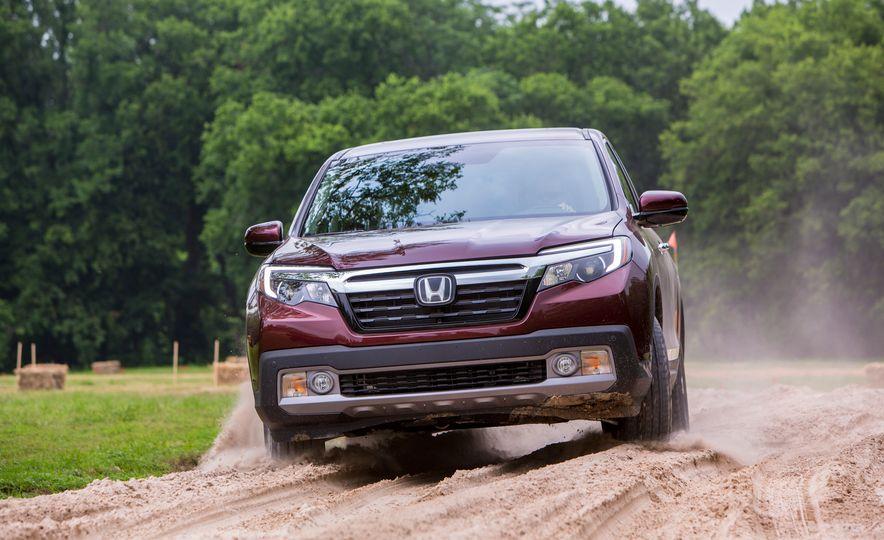 2017 Honda Ridgeline RTL-E AWD - Slide 22