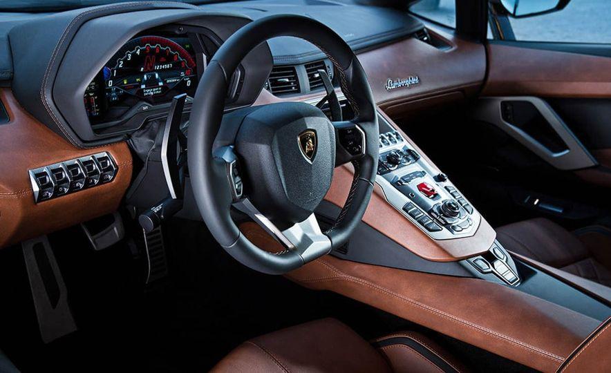2017 Lamborghini Aventador S coupe - Slide 9