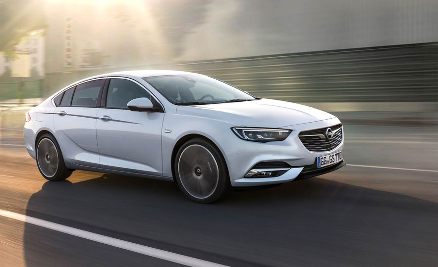 Opel Insignia Grand Sport (Euro-spec) - Slide 9
