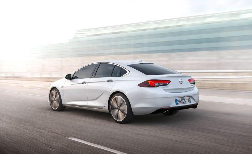 Opel Insignia Grand Sport (Euro-spec) - Slide 10