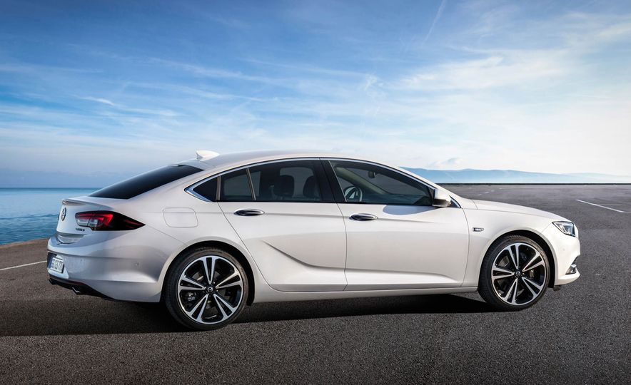 Opel Insignia Grand Sport (Euro-spec) - Slide 15