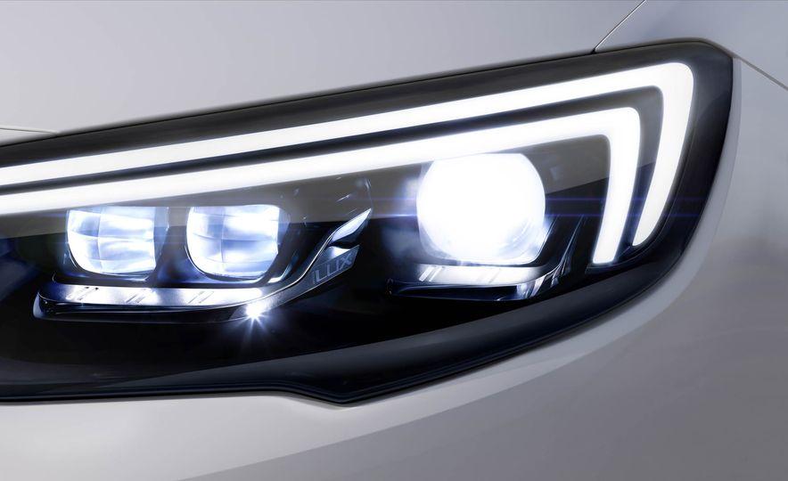 Opel Insignia Grand Sport (Euro-spec) - Slide 19