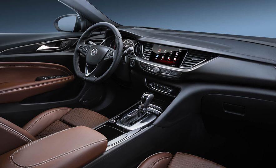 Opel Insignia Grand Sport (Euro-spec) - Slide 21