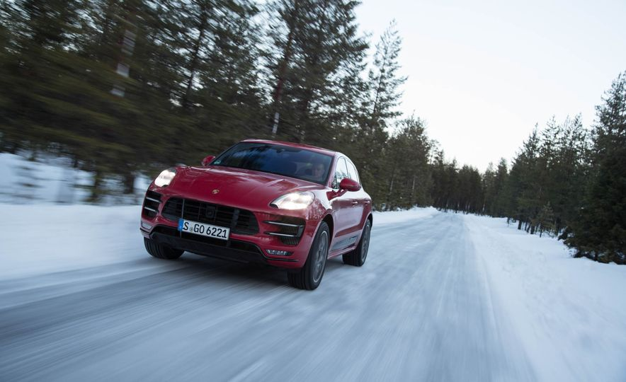 2017 Porsche Macan Turbo - Slide 1