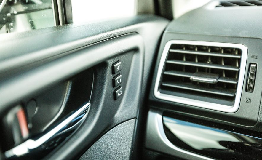 2017 Subaru Forester XT - Slide 33