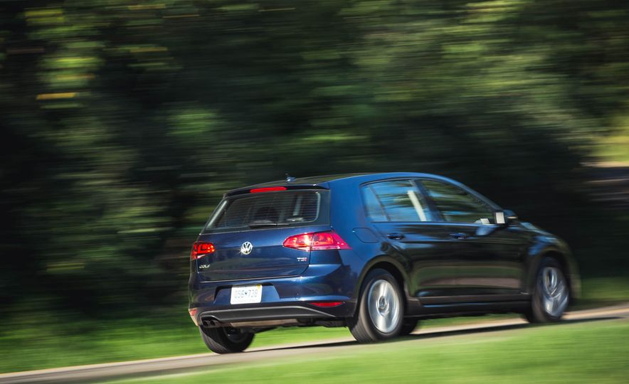 2017 Volkswagen Golf 1.8T TSI - Slide 7
